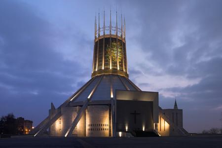 Lliverpool_cathedral_kingNuit